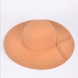 🆕 Annalise Camel Trendy Bow Hat
